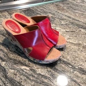 Sz 9 born concept wedges.  B.o.c red floral